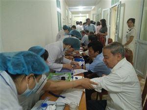 Ban Bảo vệ chăm sóc sức khỏe cán bộ huyện Thanh Thủy phối hợp tổ chức khám sức khỏe định kỳ cho cán bộ