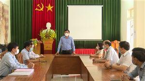 Đồng chí Bí thư Huyện ủy Thanh Thủy kiểm tra công tác phòng chống dịch Covid - 19 tại Tân Phương và Đồng Trung