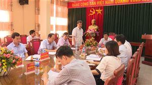 Đồng chí Phạm Xuân Khai - Ủy viên BTV, Trưởng Ban Nội chính Tỉnh ủy làm việc tại Thanh Thủy