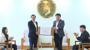 Ban Quản lý các Khu công nghiệp tỉnh Phú Thọ tặng 10.000 chiếc khẩu trang phòng, chống dịch Covid-19