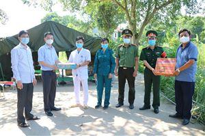 Doanh nghiệp Tư nhân Xuân Thiều thăm hỏi và tặng quà các chốt kiểm soát, khu vực cách ly y tế Covid 19