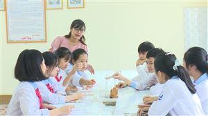 Cô giáo trẻ nhiệt huyết với nghề
