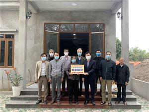 Ủy ban MTTQ huyện Thanh Thủy bàn giao nhà Đại đoàn kết cho các hộ gia đình trên địa bàn huyện