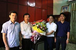 Lãnh đạo huyện thăm và chúc mừng Đài Truyền thanh - Truyền hình huyện nhân Ngày Báo chí cách mạng Việt Nam