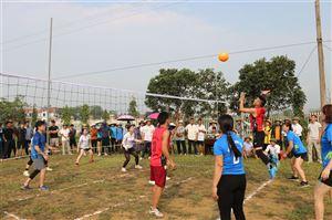 Hội Nông dân xã Đồng Trung khai mạc giải bóng chuyền hơi năm 2021