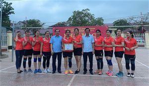 Thanh Thuỷ tổ chức thành công giải thi đấu bóng chuyền hơi nữ ngành giáo dục Phú Thọ lần thứ II năm 2021