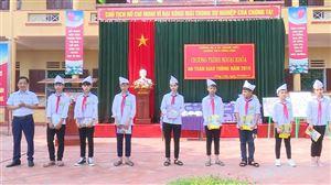 Đội CSGT Công an huyện tuyên truyền luật ATGT cho học sinh trường THCS Đồng Luận