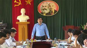 Bí thư Huyện ủy Nguyễn Minh Tường kiểm tra công tác chuẩn bị Đại hội Đảng bộ xã Đồng Trung