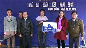 Uỷ ban MTTQ huyện Thanh Thủy bàn giao nhà đại đoàn kết tại xã Thạch Đồng