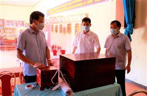 Kiểm tra công tác chuẩn bị bầu cử tại xã Tân Phương