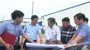 Đồng chí Nguyễn Minh Tường - TUV - Bí thư Huyện ủy kiểm tra, khảo sát thực tế tại xã Hoàng Xá