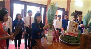 Tuổi trẻ đất Tổ dâng hương kỷ niệm 130 năm ngày sinh Chủ tịch Hồ Chí Minh