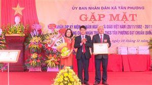 Trường THCS Tân Phương đón Bằng công nhận Trường đạt chuẩn Quốc gia và kỷ niệm 37 năm Ngày Nhà giáo Việt Nam 20-11