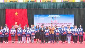 Trường THPT Thanh Thủy kết nạp lớp đoàn viên dịp kỷ niệm 90 năm thành lập Đoàn TNCS HCM