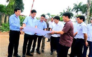 Đồng chí Phó Chủ tịch UBND tỉnh Hồ Đại Dũng làm việc tại Thanh Thủy