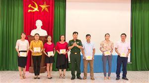 100% học viên đối tượng 4 được Hội đồng giáo dục quốc phòng và an ninh huyện cấp giấy chứng nhận