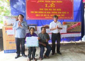 Kiểm toàn Nhà nước bàn giao nhà tình nghĩa cho thương binh hạng 1/4 Dương Hà Nghi ở khu 8 xã Đào Xá