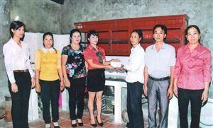 Phụ nữ xã Trung Thịnh thi đua học tập và làm theo gương Bác