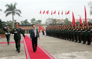 Chủ tịch Quốc hội Nguyễn Thị Kim Ngân thăm và làm việc tại Bộ Tư lệnh Quân khu 2