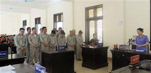 Xét xử sơ thẩm vụ án mua bán trái phép chất ma tuý và tàng trữ trái phép vũ khí quân dụng đối với 15 bị cáo