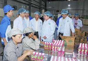 Thứ trưởng Bộ Nông nghiệp và Phát triển nông thôn làm việc tại tỉnh