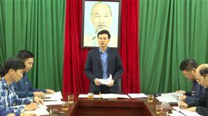 Phó Bí thư TT Huyện ủy Nguyễn Văn Cường kiểm tra công tác chuẩn bị Đại hội Đảng bộ xã Tu Vũ