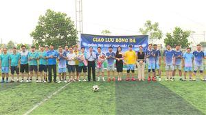 Giao hữu bóng đá giữa BQL Dự án đầu tư XD Khu vực TT với đội bóng liên quân Toà án - Thi hành án - VKS huyện