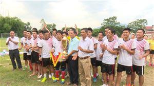 Hoàng Xá tổ chức chung kết giải bóng đá nam chào mừng kỉ niệm 70 năm Ngày thành lập Đảng bộ xã