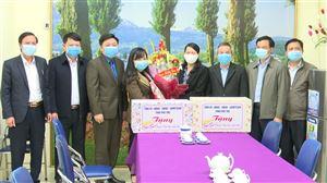 Trao quà Tết cho đoàn viên, công nhân lao động có hoàn cảnh khó khăn trên địa bàn huyện Thanh Thủy