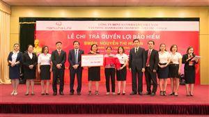 Công ty TNHH Bảo hiểm Hanwha Life Việt Nam chi trả trên 365 triệu đồng cho  khách hàng