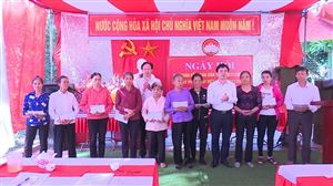Xã Sơn Thuỷ tổ chức ngày Đại đoàn kết dân tộc 18/11 và Ngày Pháp luật Việt Nam 9/11